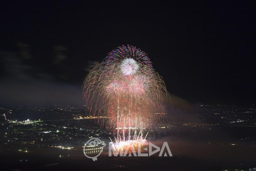 日本の花火「アラビアンナイト~愛と魔法の物語~」