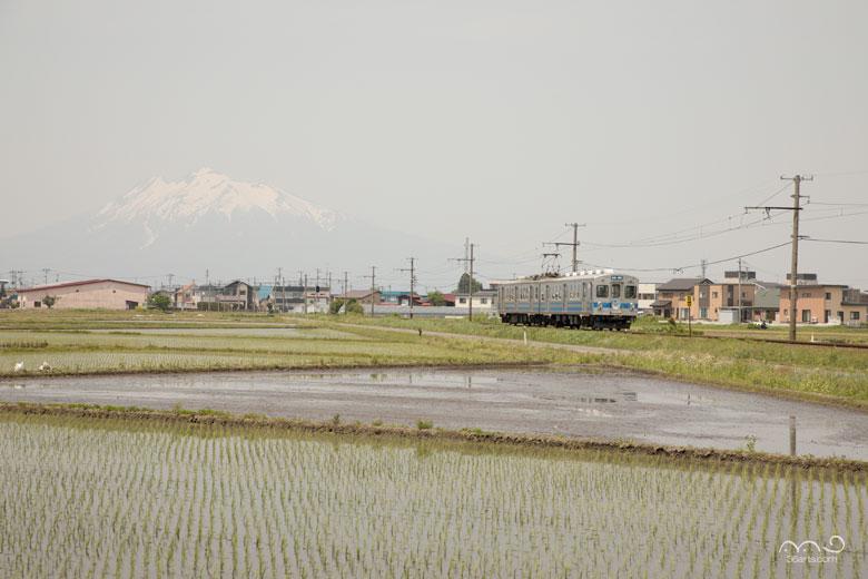 弘南鉄道と岩木山