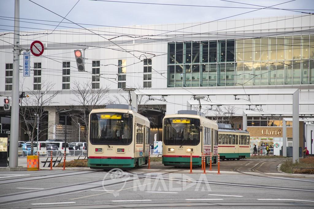 JR富山駅前
